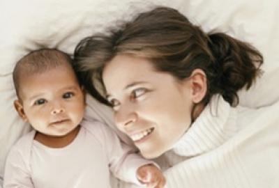 Le co-dodo : dormir avec un bébé, bon ou mauvais pour la maman ?