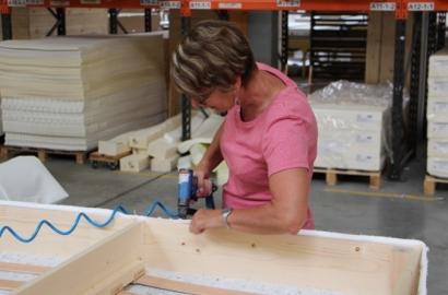 Les coulisses de Maliterie - Gislhaine, couturière dans une usine de matelas